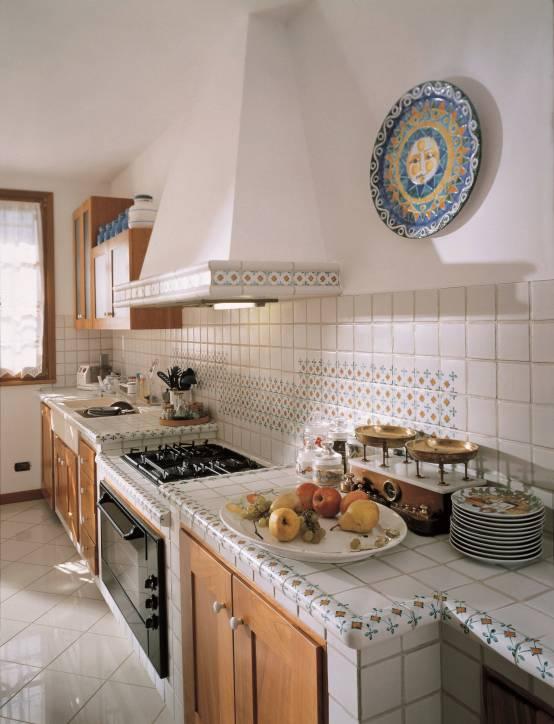Isola cucina con acquario interior design for Arredamento acquario