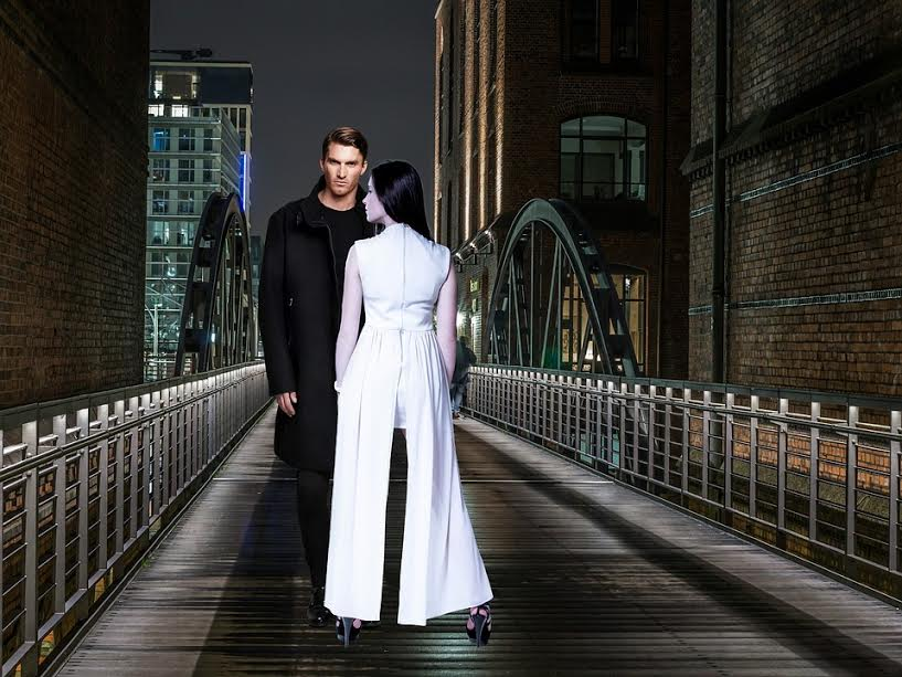 City Night Man In Black Casal Woman In White