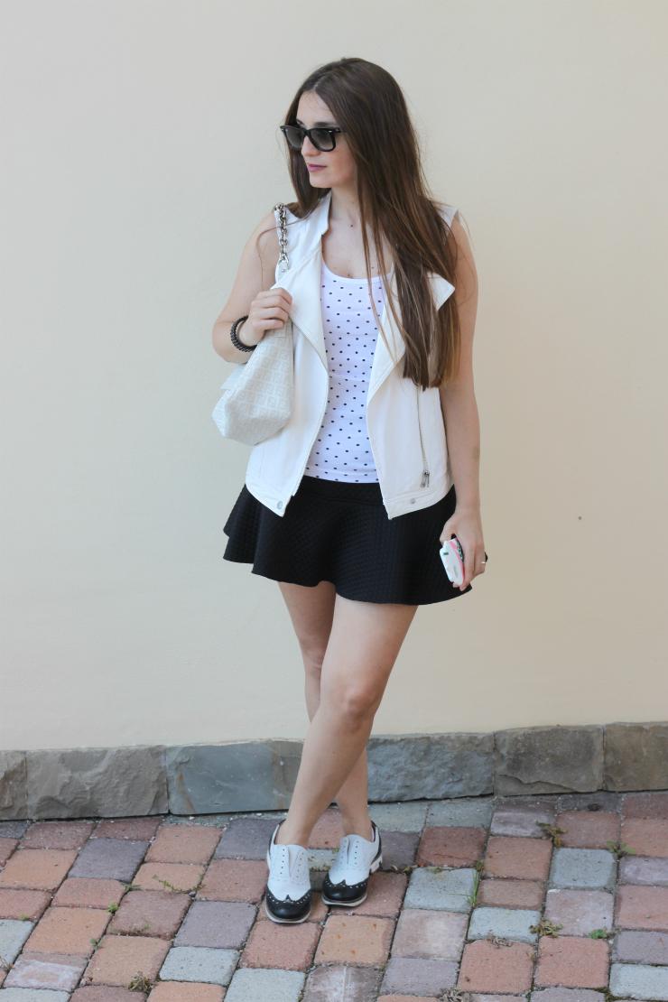 outfit bianco e nero 3